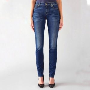 7 For All Mankind Roxanne Skinny Jeans 25